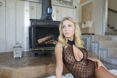 Zoey Taylor_01