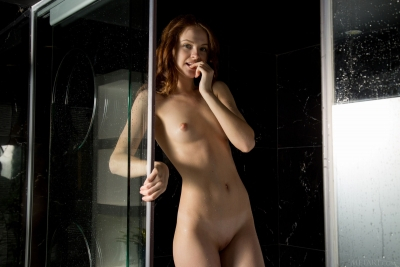Alice May_04